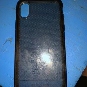 iPhone X/Xs Tech 21 phone case